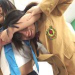 男を巡って女子校生の喧嘩!! スクールガールキャットファイト1