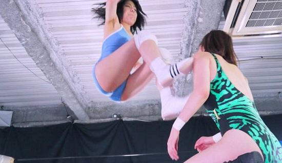 有名タレント卯水咲流の女子プロレス THE NEXT BIG THING